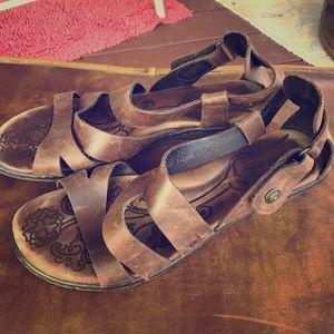 BORN leather sandals size 10